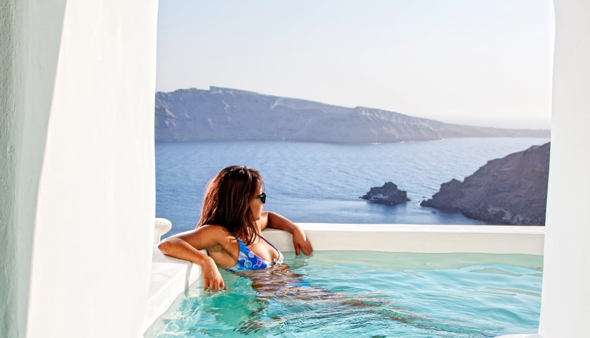 Greece_Canaves_Oia_Suites_River_Pool_Suite_fivestardestination_five_star_destination_16