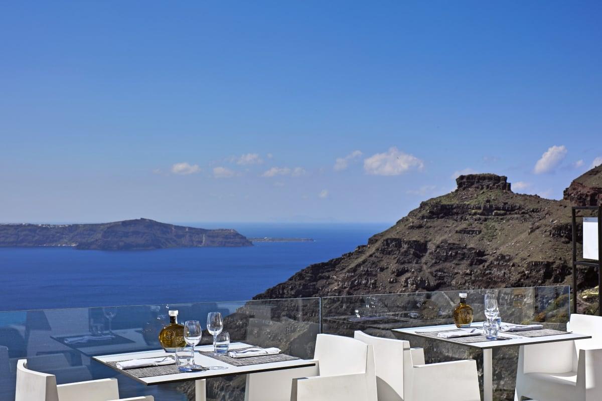 Greece_Sun_Rocks_Boutique_Hotel_Santorini_Elea_Restaurant_fivestardestination_five_star_destination_3