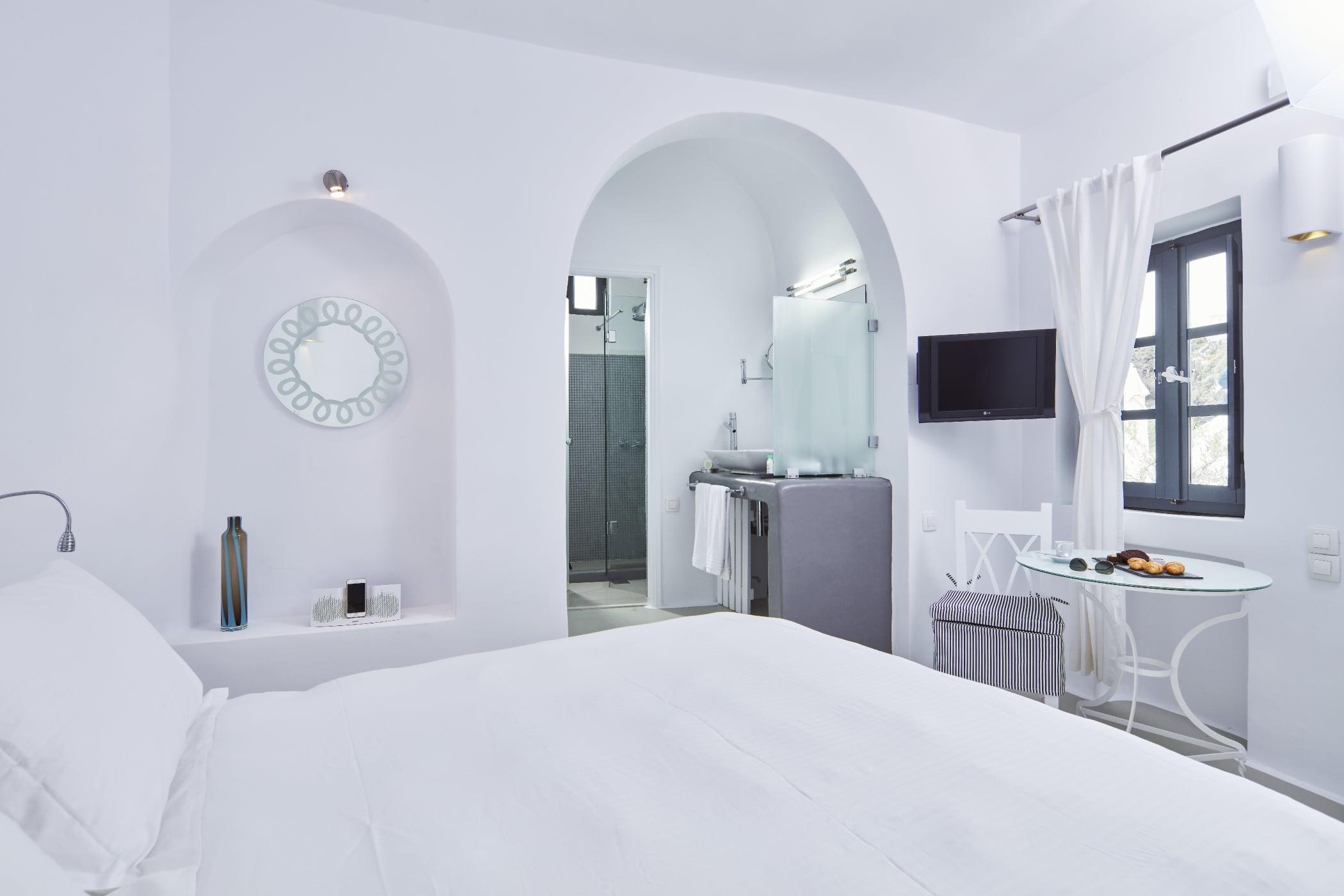 Sunrocks_Boutique_Hotel_Santorini_Double_Room_3