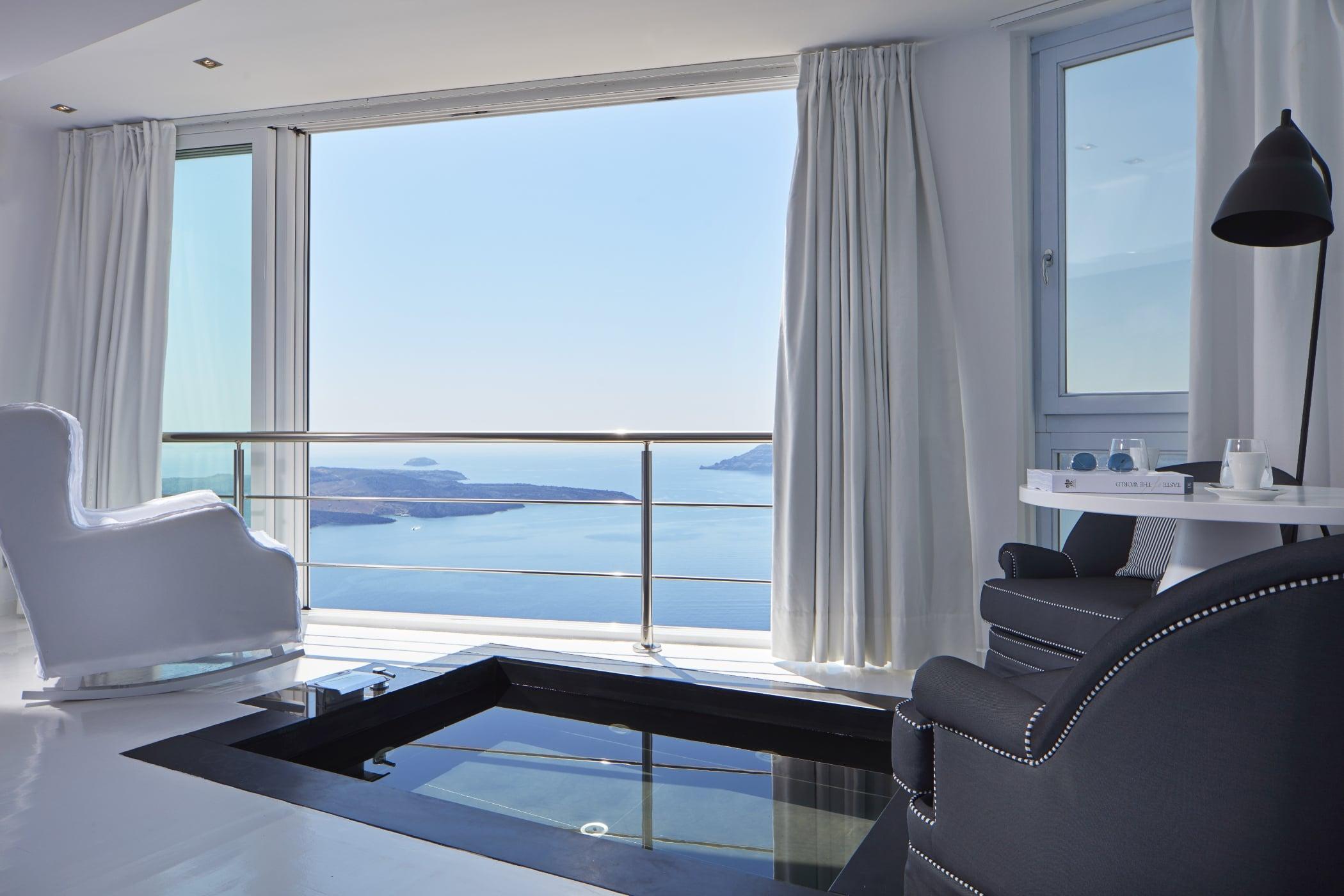 Sunrocks_Boutique_Hotel_Santorini_Experience_Suite4