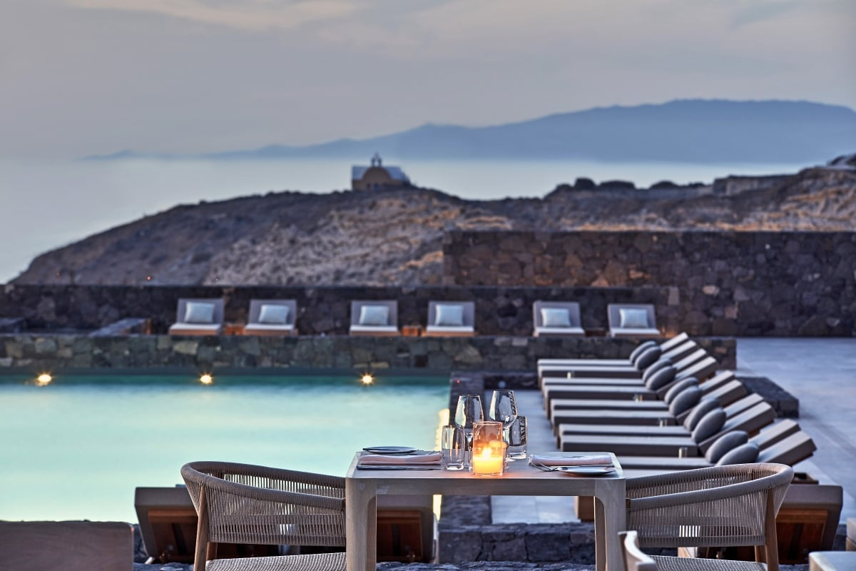 Greece_Oia_Canaves_Oia_Epitome_Elements_Restaurant_fivestardestination__five_star_destiantion_9