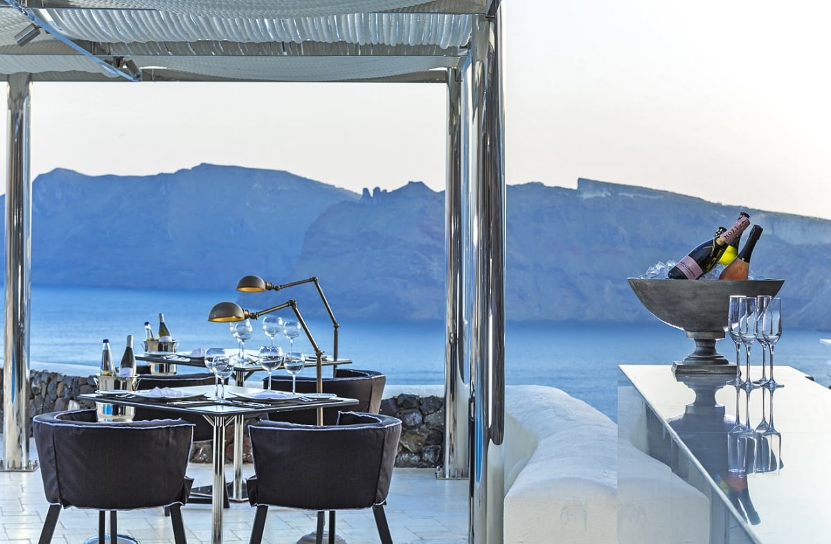 01_Greece_Canaves_Oia_Suites_Petra_Restaurant_fivestardestination_five_star_destination_16