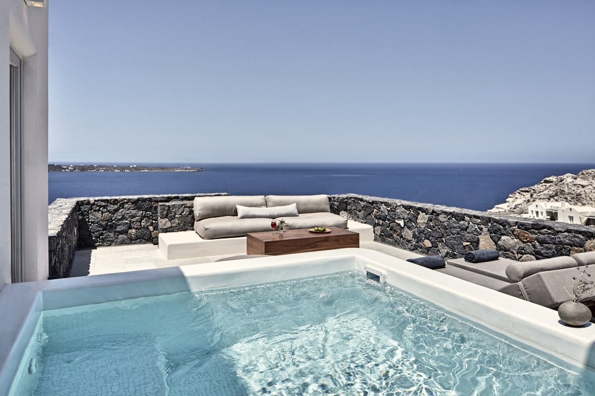 Greece_Canaves_Oia_Canaves_Epitome_Honeymoon_Suite_With_Plunge_Pool_fivestardestination__five_star_destiantion_1