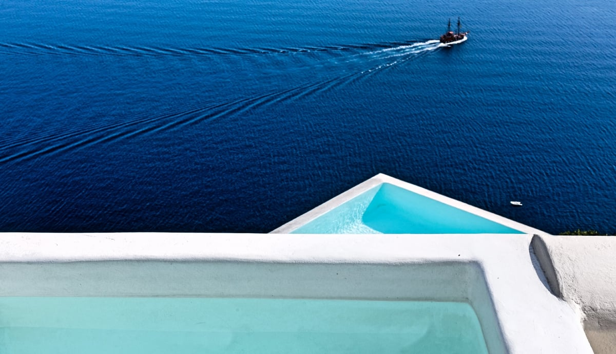 Greece_Canaves_Oia_Suites_Honeymoon_Suite_fivestardestination_five_star_destination_12