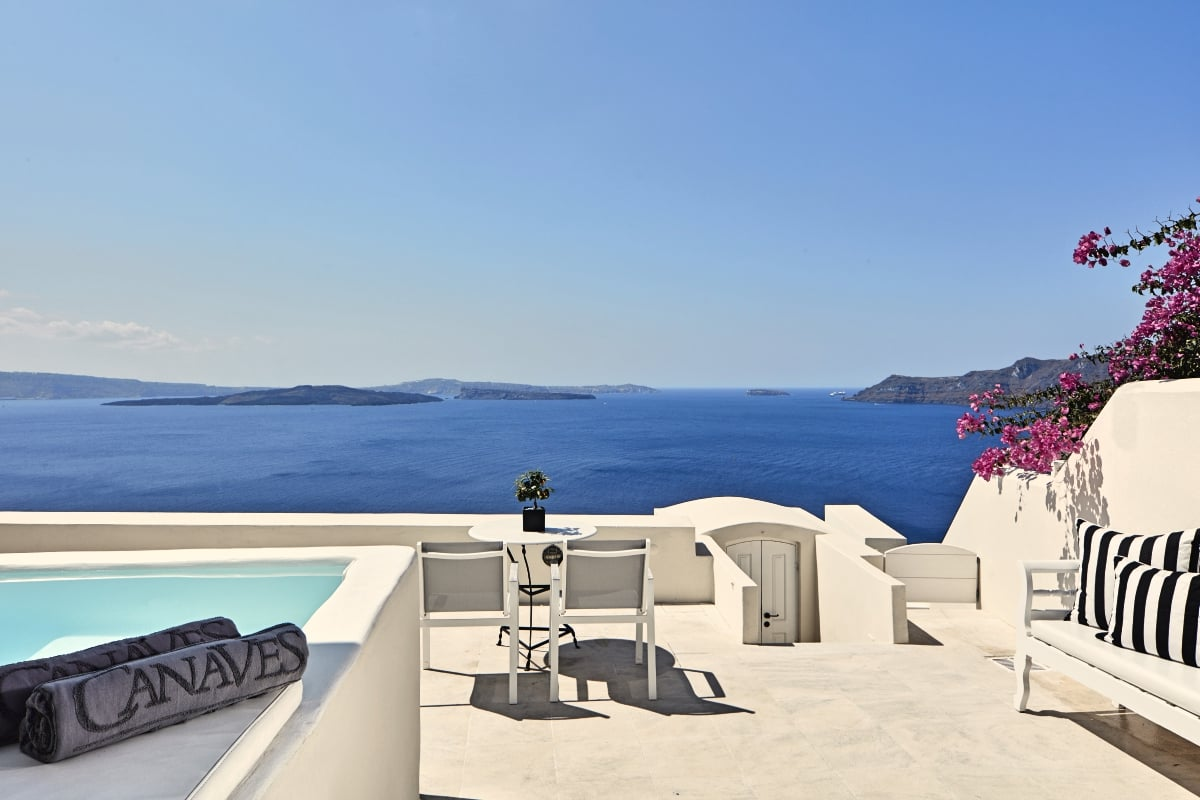 Greece_Canaves_Oia_Suites_Honeymoon_Suite_fivestardestination_five_star_destination_2