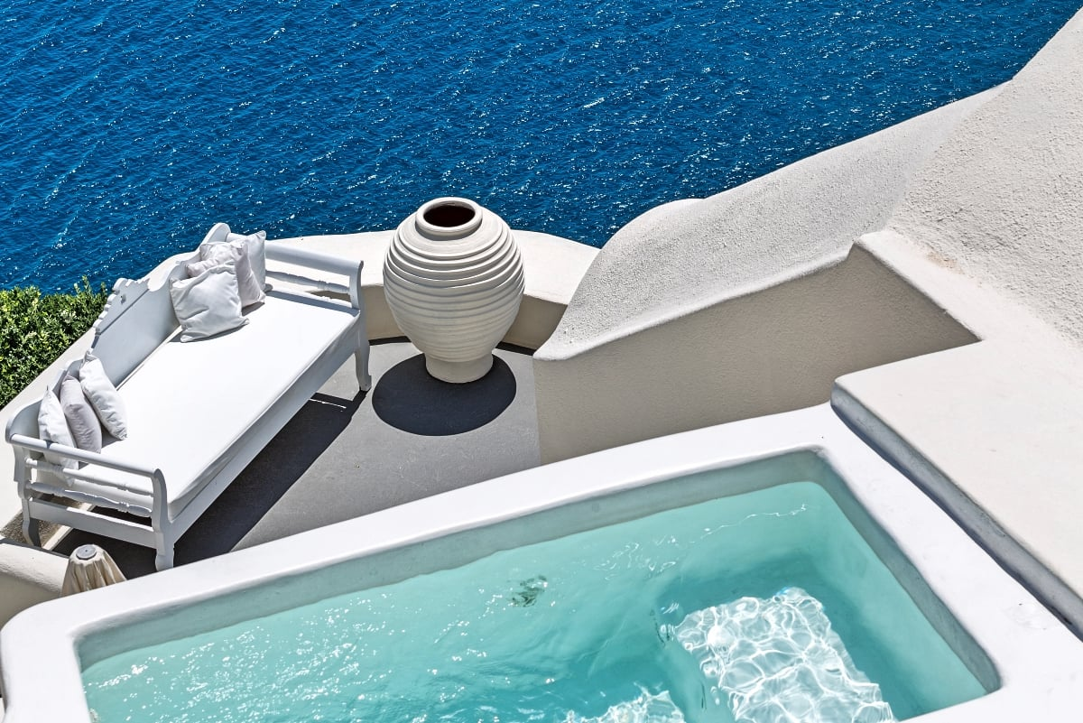 Greece_Canaves_Oia_Suites_Honeymoon_Suite_fivestardestination_five_star_destination_6