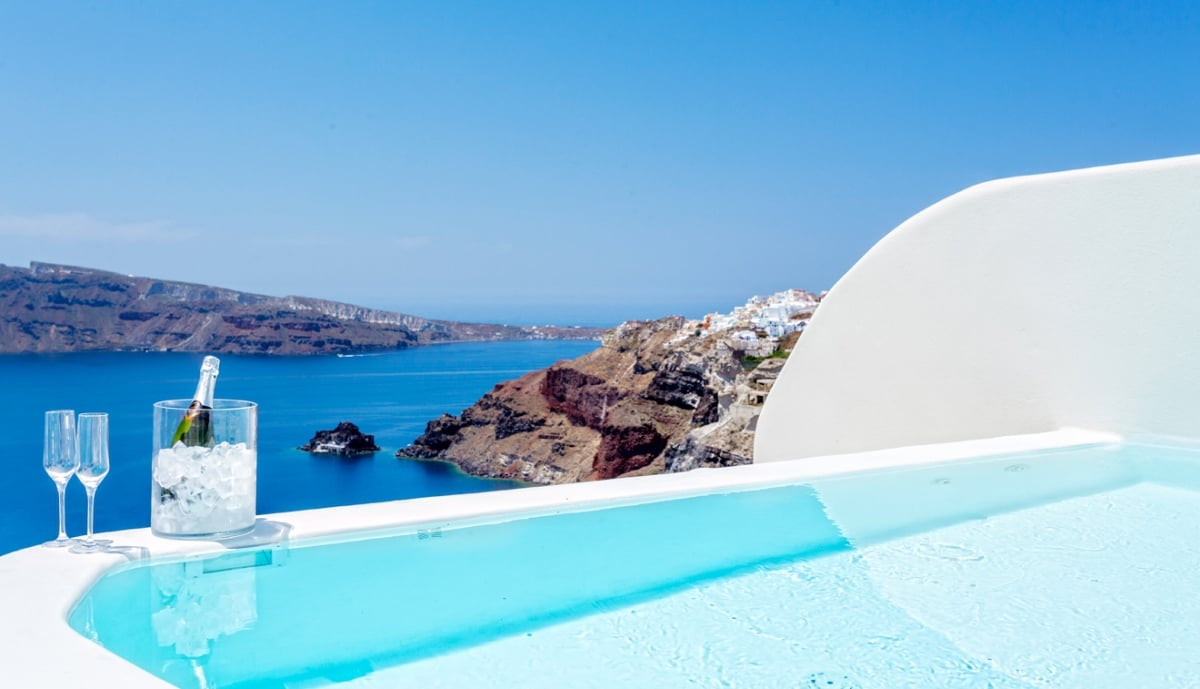 Greece_Canaves_Oia_Suites_Presidential_Suite_with_plunge_pool_fivestardestination_five_star_destnation_8