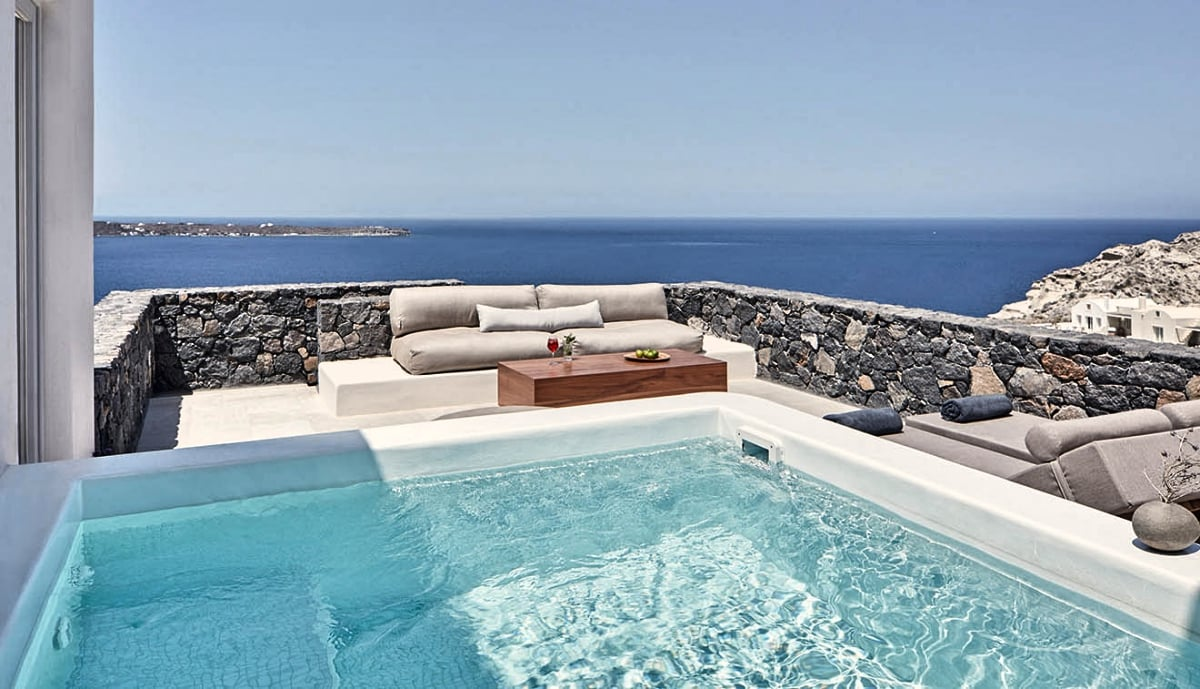 Greece_Santorini_Epitome_Santorini_by_Canaves_Oia_Deluxe_Suite_with_Plunge_Pool_fivestardestination_five_star_destination1