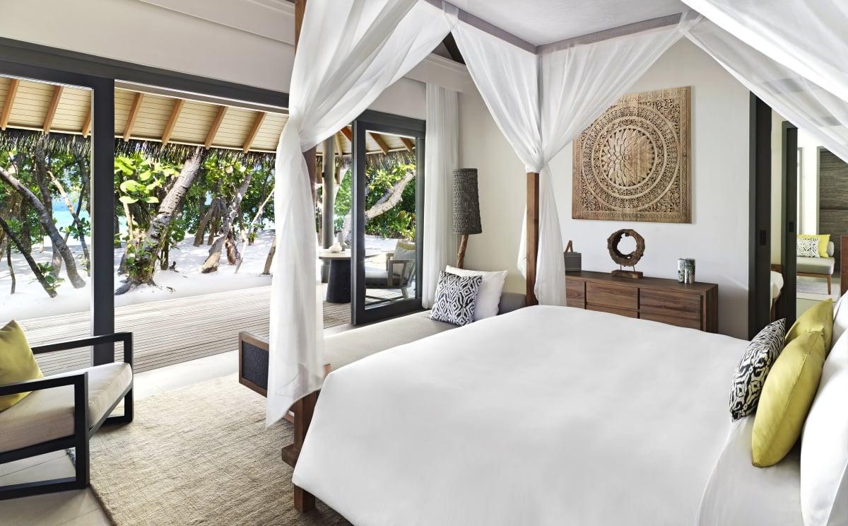 Maldives_Vakkaru_Maldives_Beach_Family_Pool_Villa_fivestardestination__five_star_destiantion_2