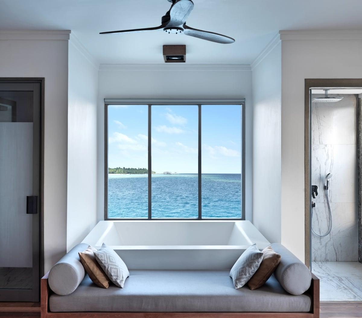 Maldives_Vakkaru_Maldives_Four_Bedroom_Over_Water_Residence_fivestardestination__five_star_destiantion_3