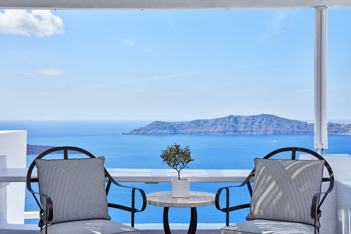 Greece_Sun_Rocks_Boutique_Hotel_Santorini__fivestardestination_five_star_destination_5